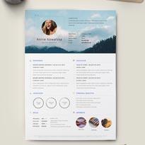 Free Minimalistic Resume/CV - Illustrator